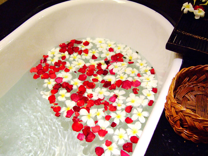 お風呂でのホホバオイルの使い方