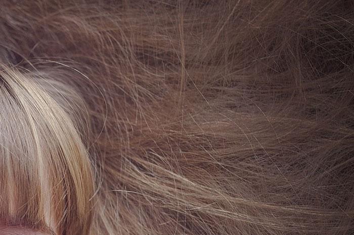 髪の毛が絡まる原因