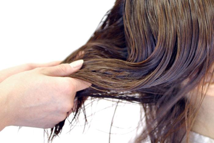 アミノ酸シャンプーで髪がきしむ原因ときしまないシャンプーの選び方!