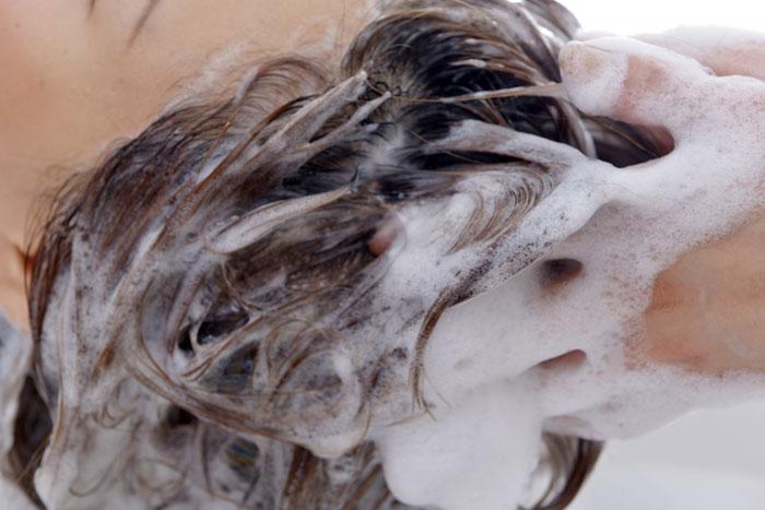 体験レビュー:ハイビスカスシャンプーの洗浄力は?